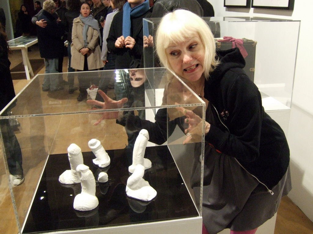 Meet The Woman Who Collects Plaster Casts Out Of Famous